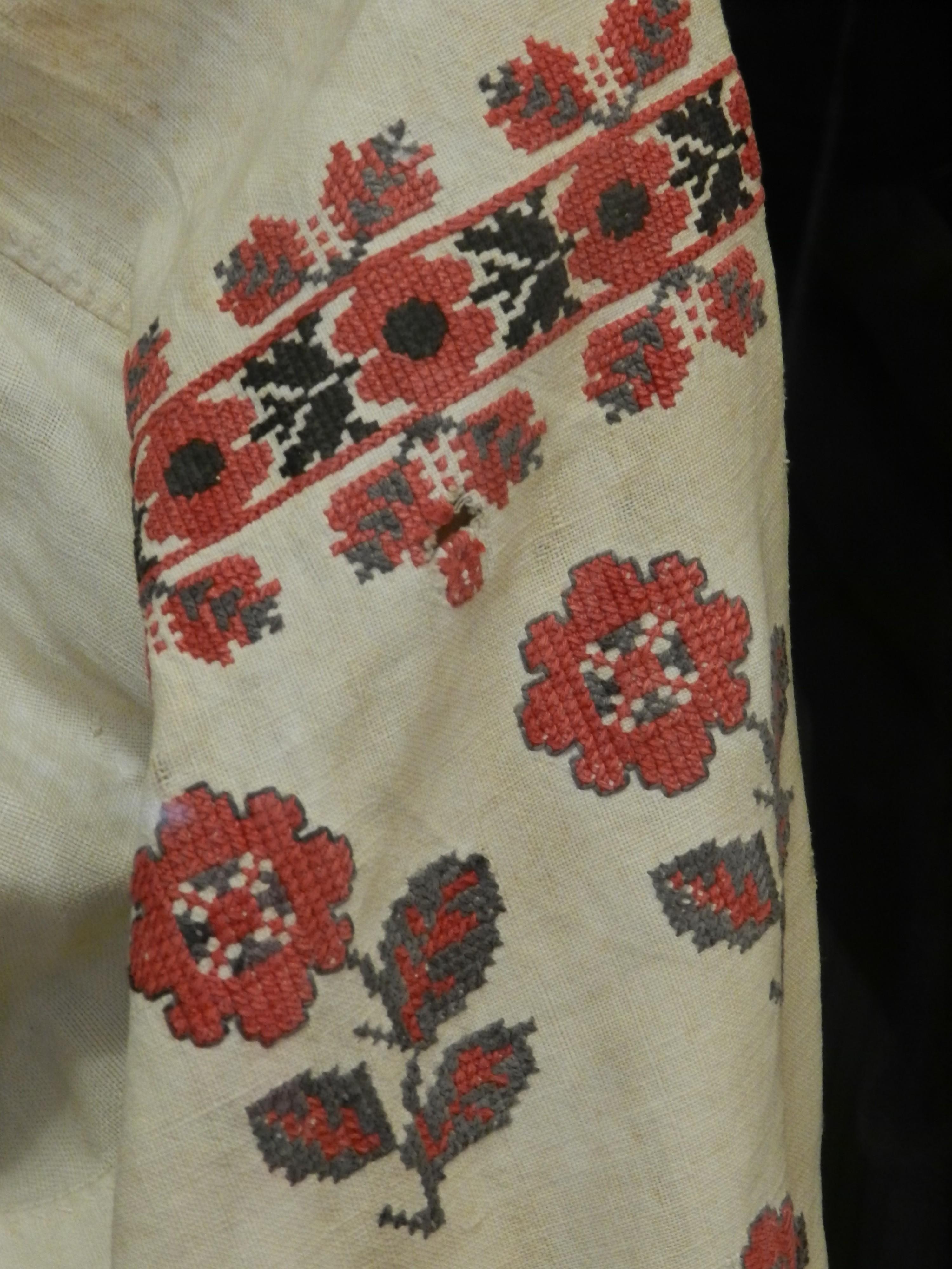 Вышивка на рубахе